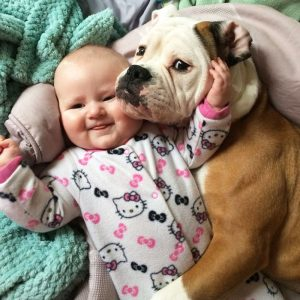 kids-with-dogs-59__700