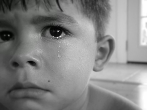 sad-crying-boy-wallpaper-viewing-gallery-alone-images-wallpaper-hd-download-with-quotes-wallpapers-for-facebook-2013-sad-feeling-2012-boy-girl