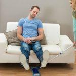 Tarefas de casa e com os filhos são suportadas quase na totalidade pelas mulheres…apenas 36% dos maridos dá uma ajuda!