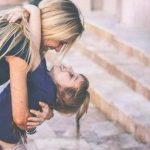 """Ser uma """"mãe chata"""" faz os filhos crescerem mais bem-sucedidos! Está provado!"""
