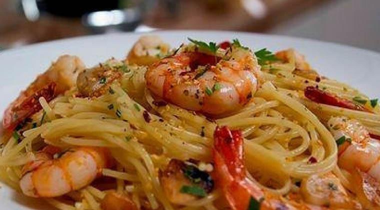 receita-facil-espaguete-camarao-1